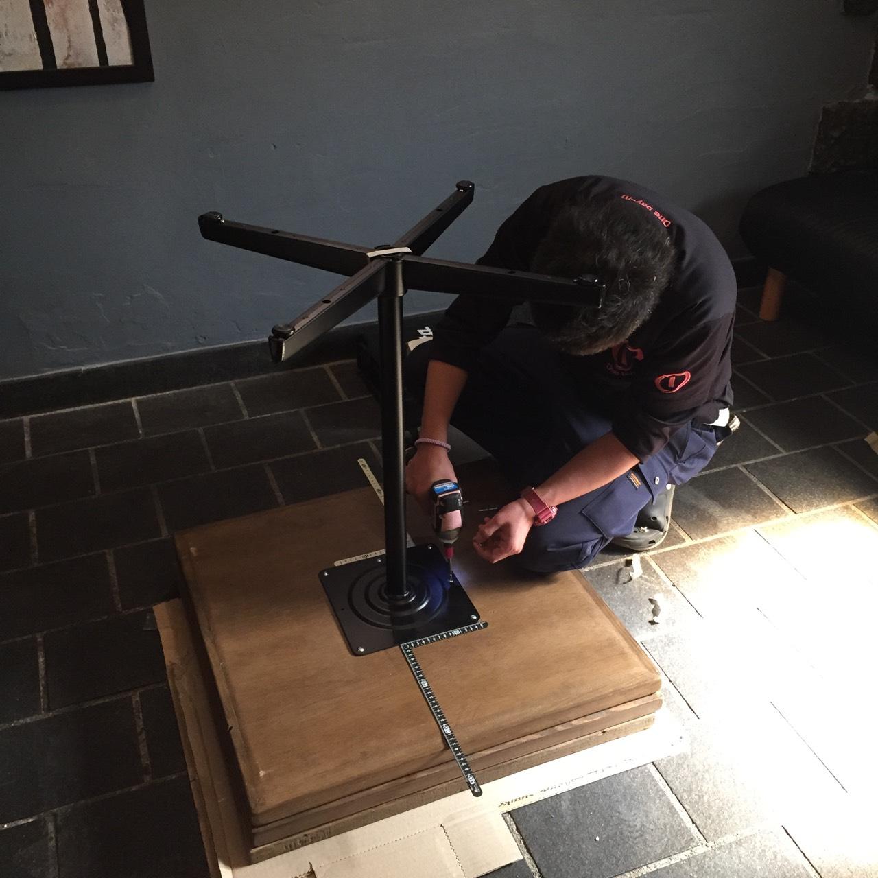 店舗テーブル搬入施工